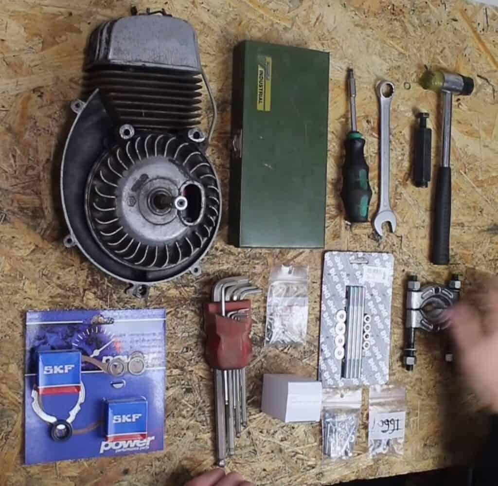 Werkzeug Motor überholen Mofa
