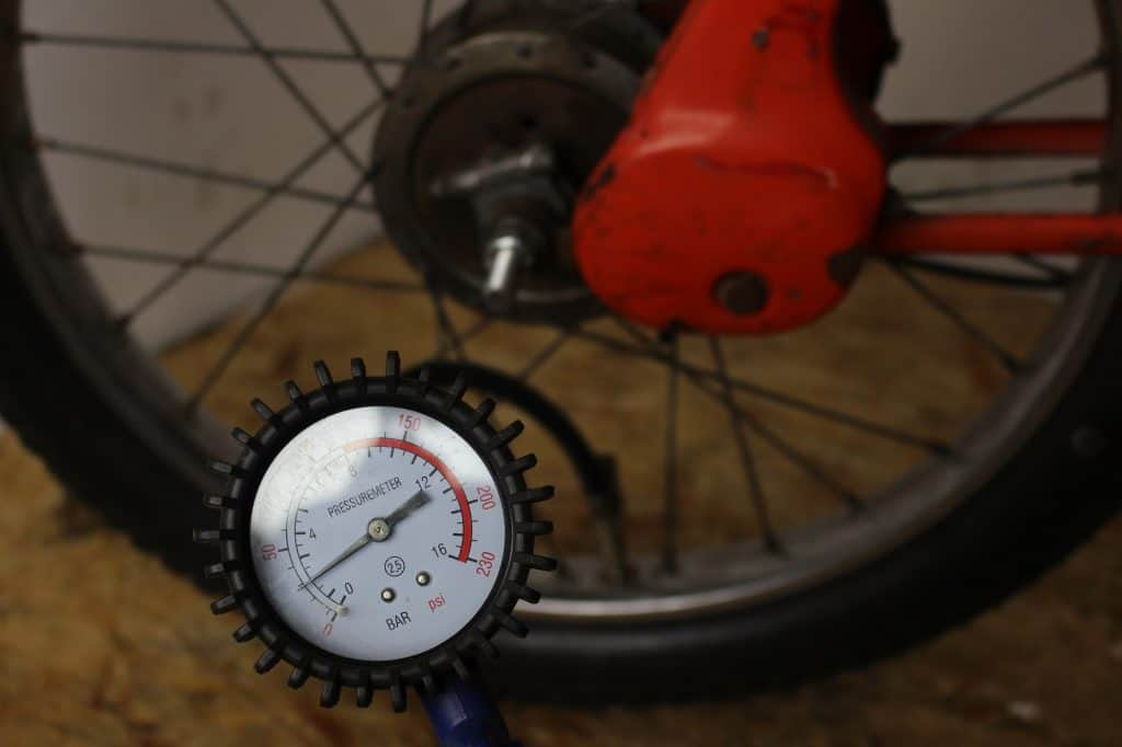 Luftdruck mofa messen