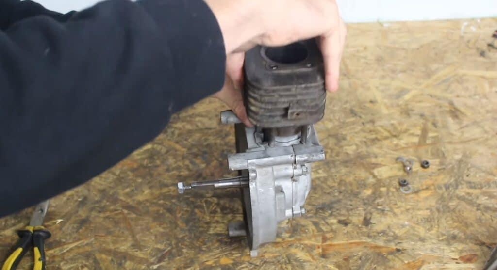 Zylinder verbauen Piaggio Motor